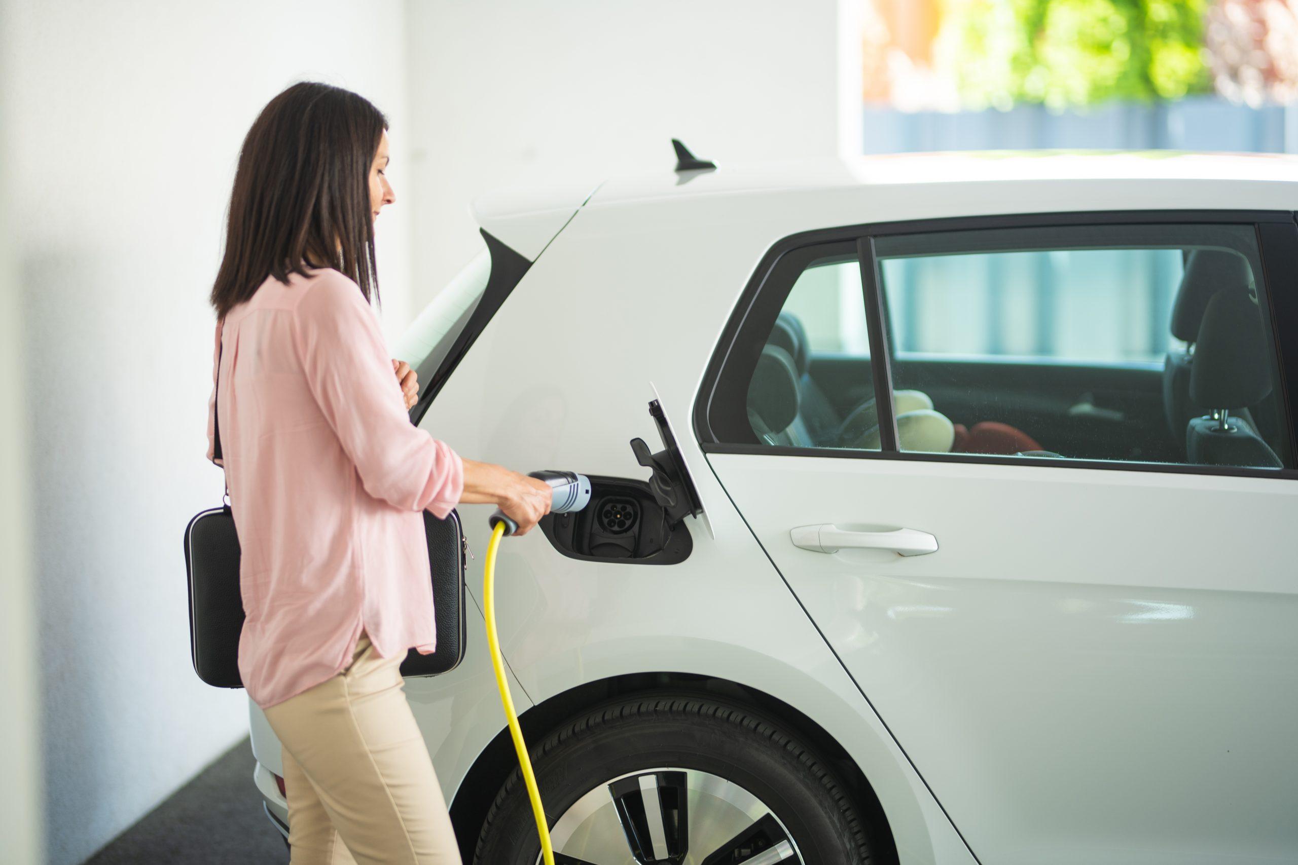 Aménager son garage pour sa voiture électrique